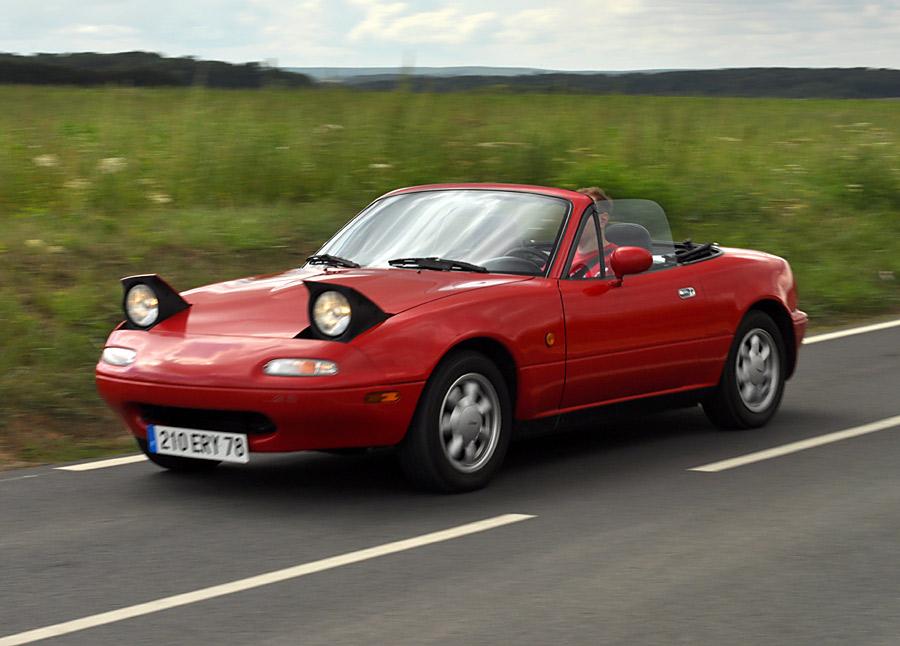 Mazda MX-5 (NA) kao predivan, presladak i dan-danas upotrebljiv Roadster.