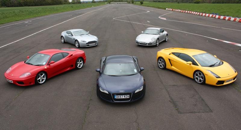 Nekoliko sportskih automobila kakve je danas (nekima) moguće kupiti s pozamašnim popisom opreme koji već tvornički dolazi u paketu