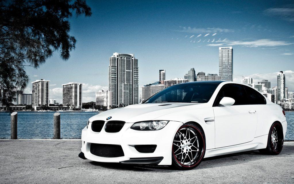 Bijeli BMW