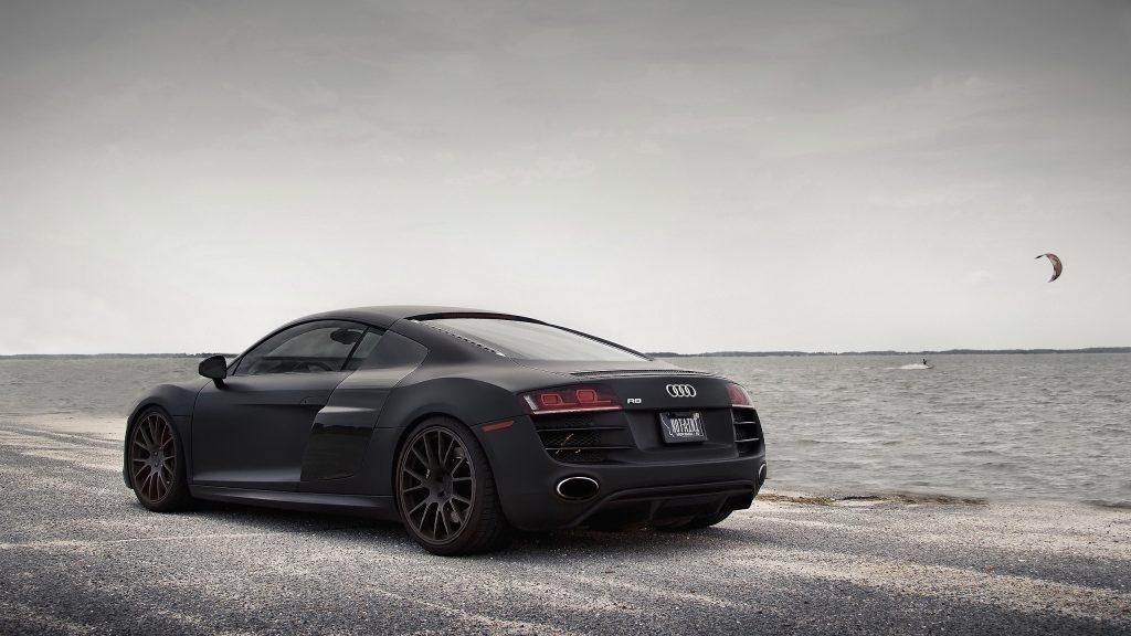 Crni Audi