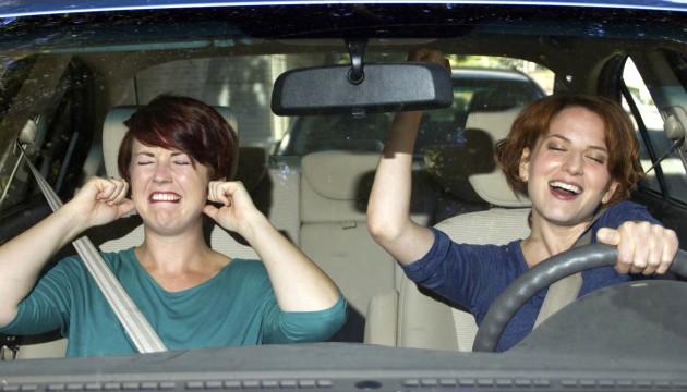 Znanstveno je dokazano da nas glasna muzika ometa prilikom vožnje
