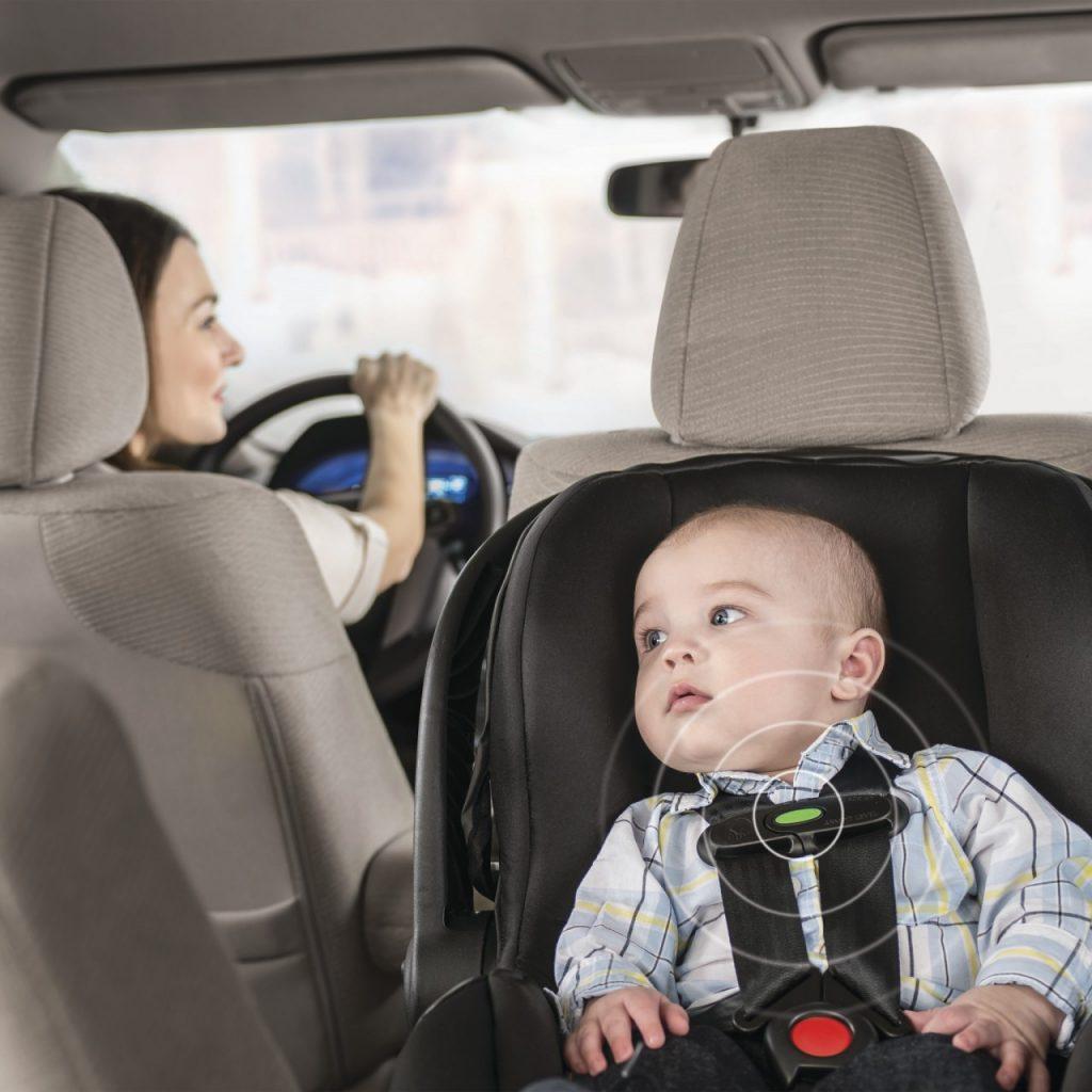 Pojas na dječjoj sjedalici sa senzorom - je li to glup izum ili su glupi oni koji ga trebaju?