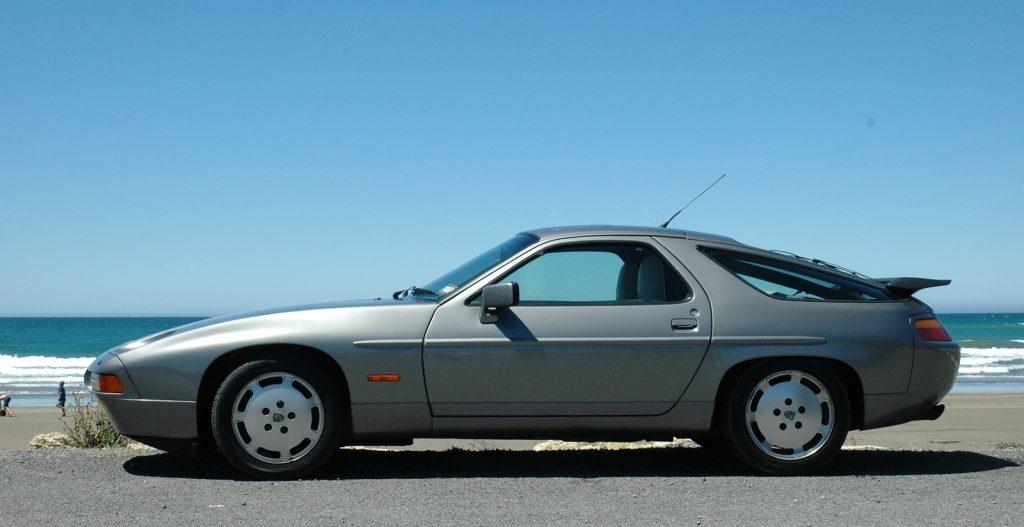 Zapravo je to čist solidan automobil, ali nikako u rangu 911-ice