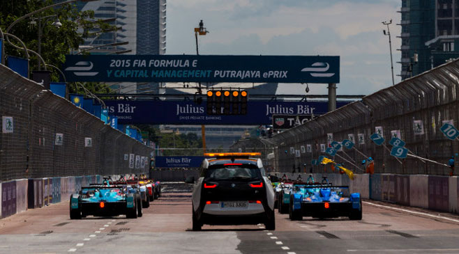 Kada BMW i3 postane sigurnosni automobil na utrkama, postaje jasno da sa svijetom utrkivanja nešto gadno ne valja.