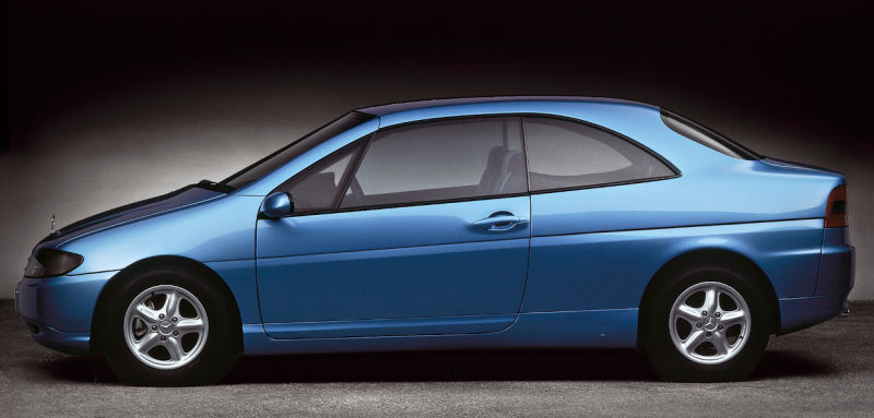 Osnova je frizerski automobil nalik tadašnjoj C-klasi.