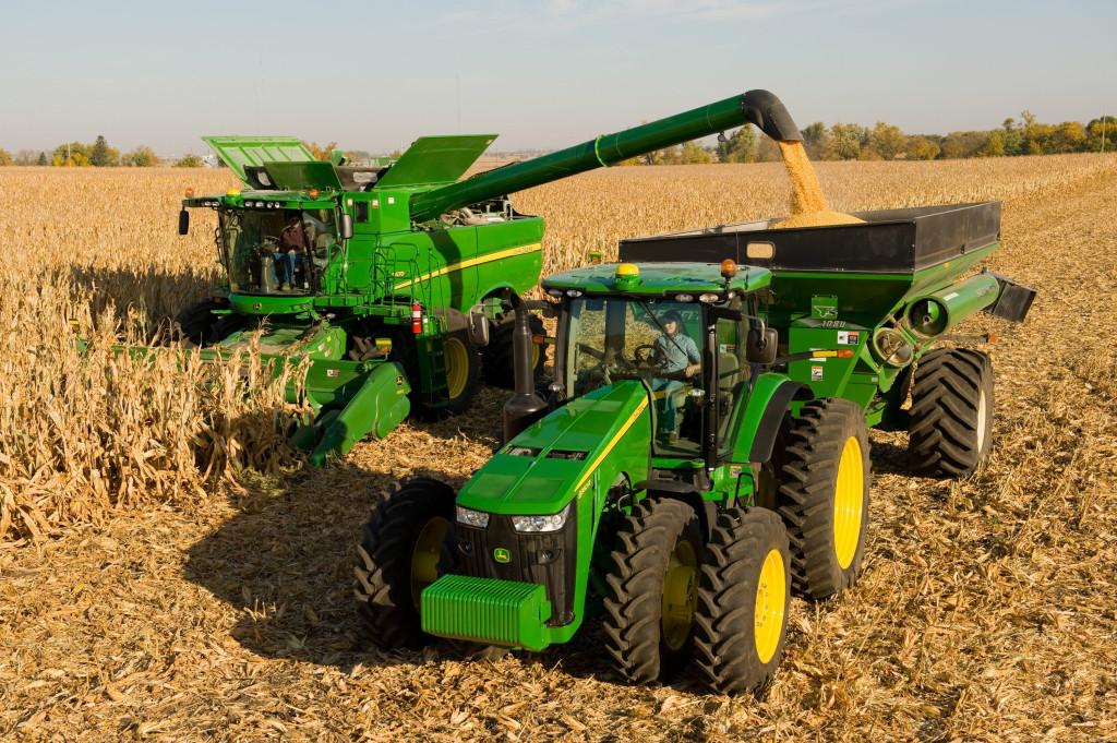 Robotizirani traktor omogućio bi nam više vremena za aktivnosti u kulturno-umjetničkom društvu!