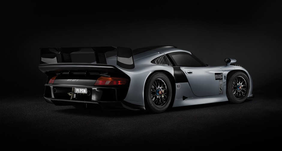 Porsche 911 GT1 Evolution automobil je vrijedan obožavanja.