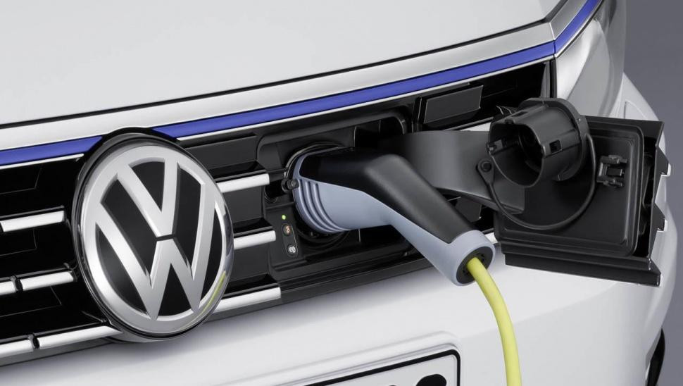 Posebna ponuda za kupnju električnih i plug-in hibridnih