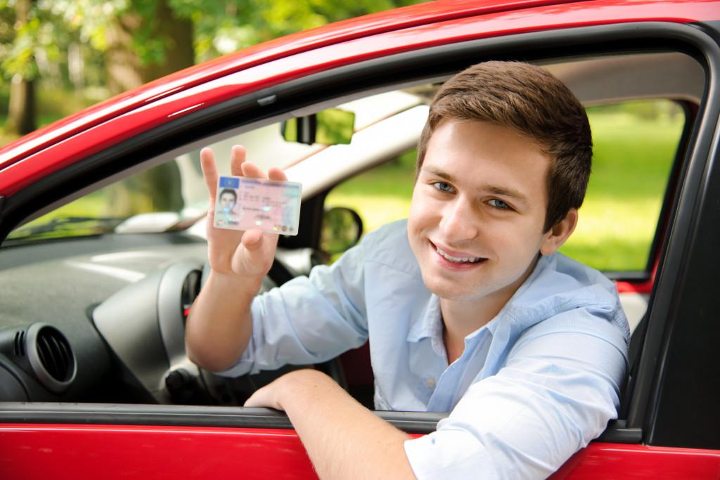 Statistike vole mlade vozače