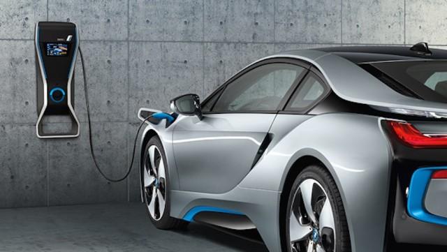 Razvoj električnih automobila se razvija isto mjerom kao i motori s unutarnjim izgaranjem.