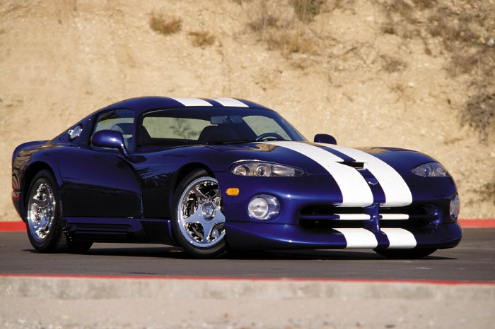 Viper GTS - ista doza ludosti u coupé verziji.