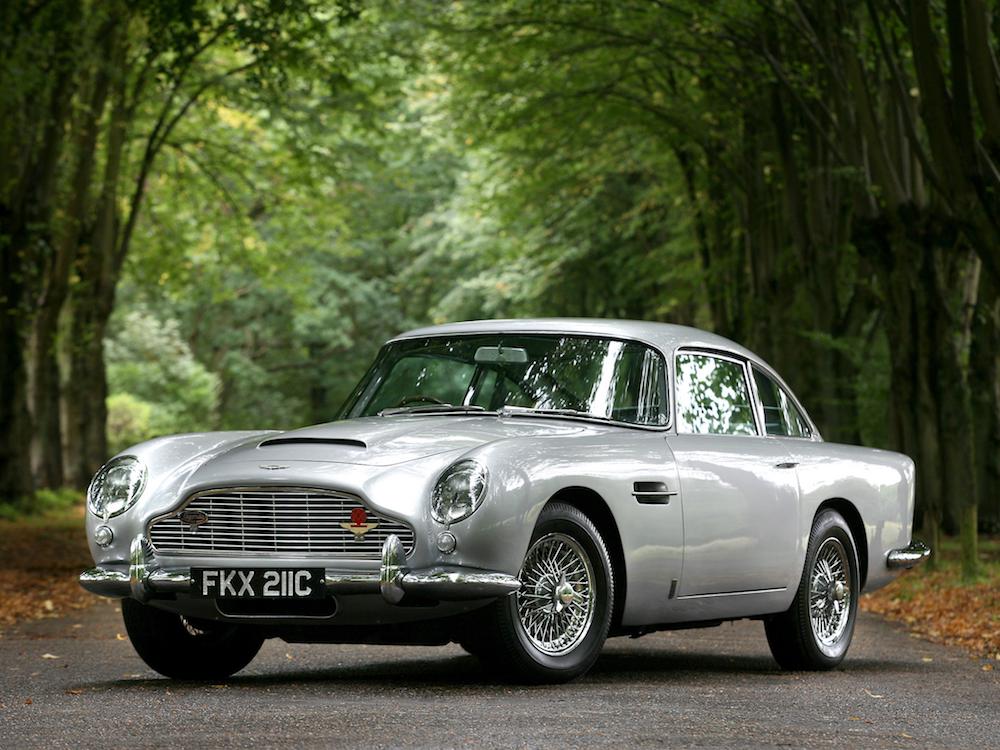 Aston Martin DB5 - smoking na četiri kotača.