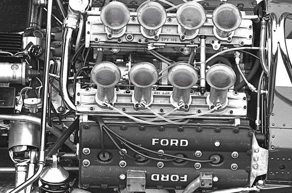 (Ford) Cosworth DFV motor