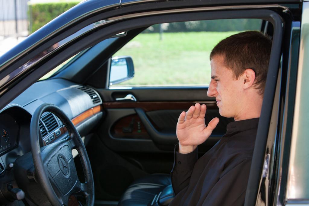 Taksist smije odbiti vožnju ako imate loš zadah (što je s ostalim smradovima ne znamo)...