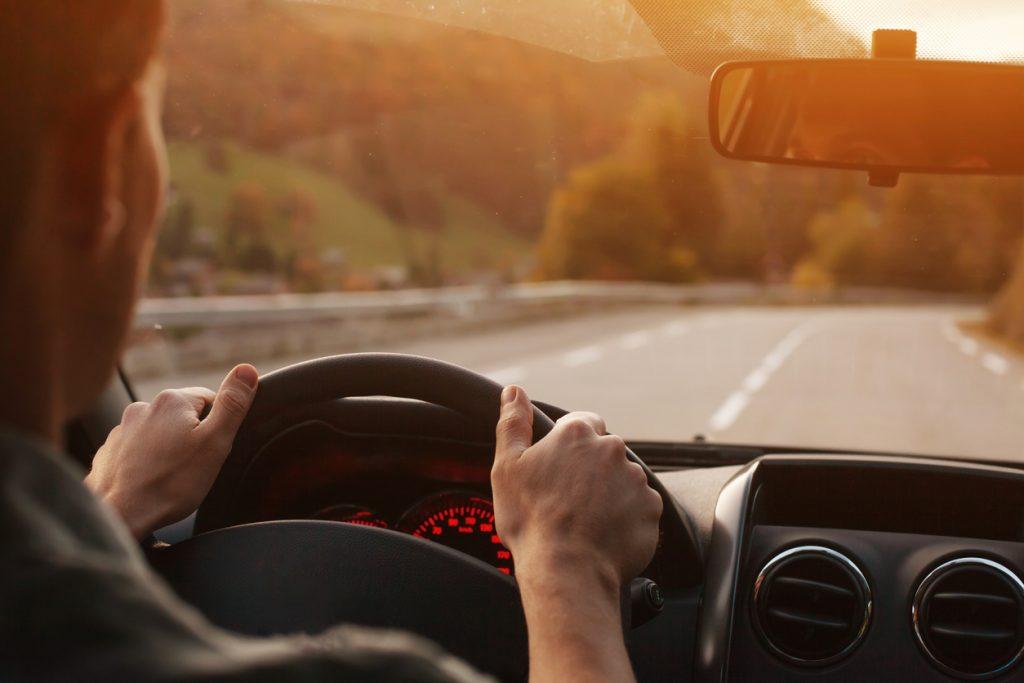 EU donosi uredbu koja će izmijeniti promet kakav znamo? Novi auti će automatski kočiti kod prekoračenja brzine