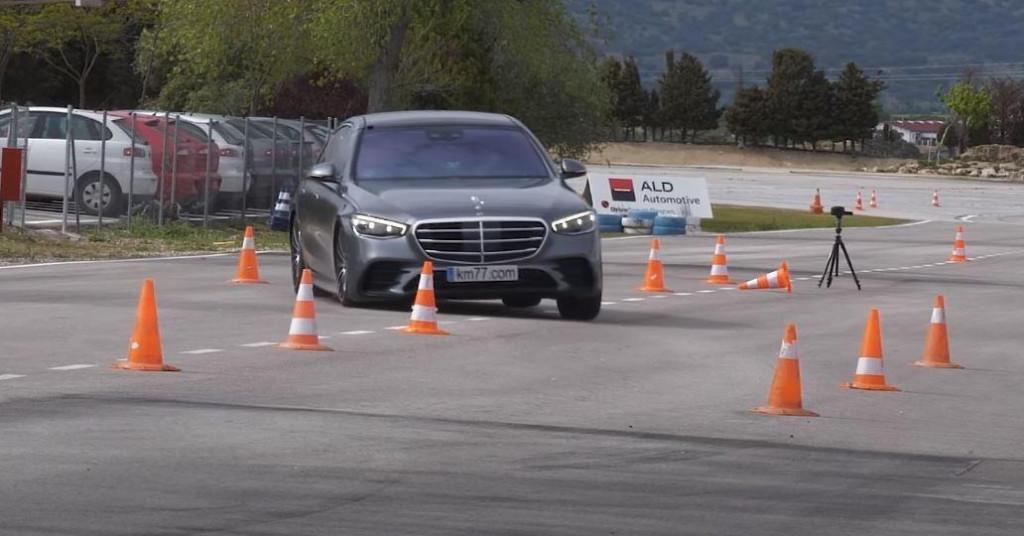 Video: Pogledajte kako se nova Mercedes S-klasa snašla u 'Testu izbjegavanja jelena'