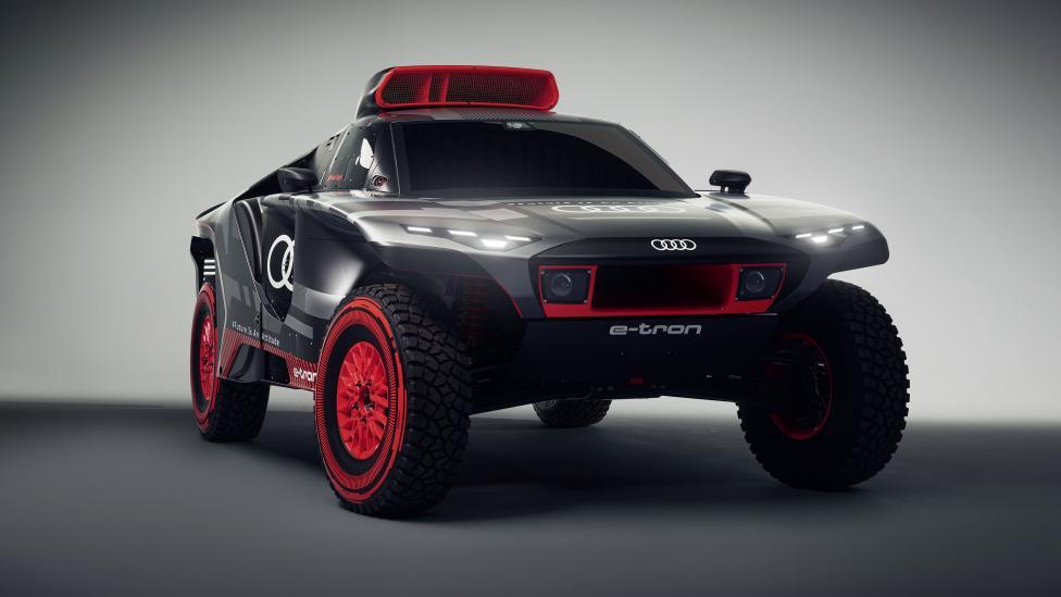 Audijev suludi automobil za Dakar od 671 ks